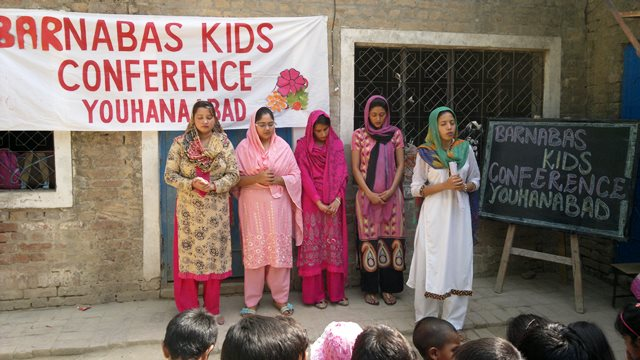 Pakistan.MissionSchools.celebration.last (11)