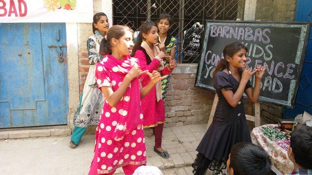 Pakistan.MissionSchools.celebration.last (26)
