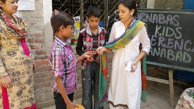 Pakistan.MissionSchools.celebration.last (39)