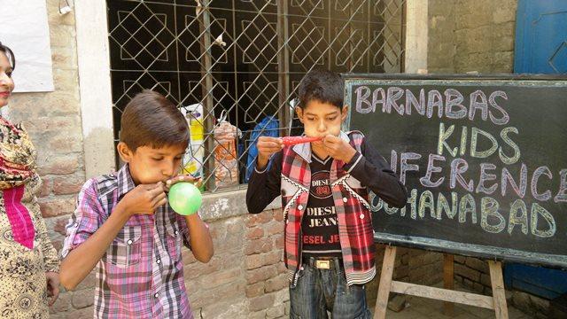 Pakistan.MissionSchools.celebration.last (41)