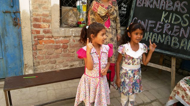 Pakistan.MissionSchools.celebration.last (50)