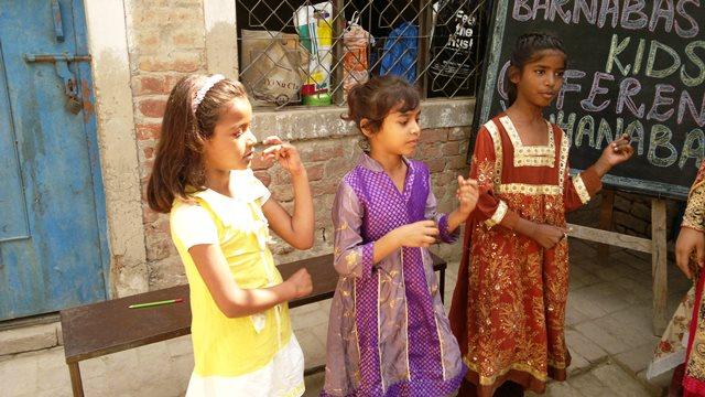 Pakistan.MissionSchools.celebration.last (54)