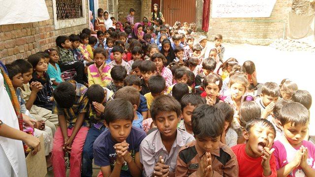 Pakistan.MissionSchools.celebration.last (61)